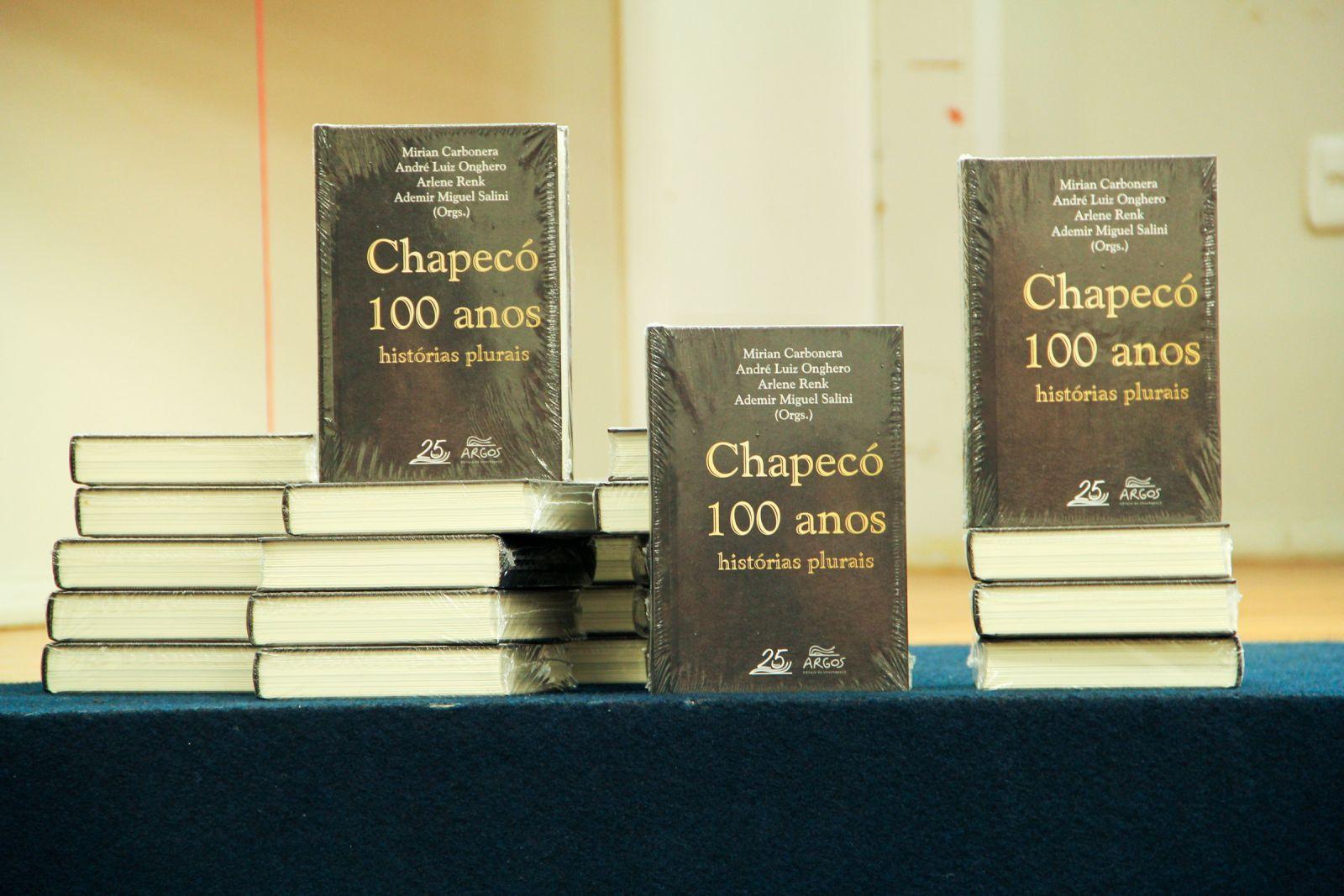 """Capítulo no Livro """"Chapecó 100 anos: histórias plurais"""""""
